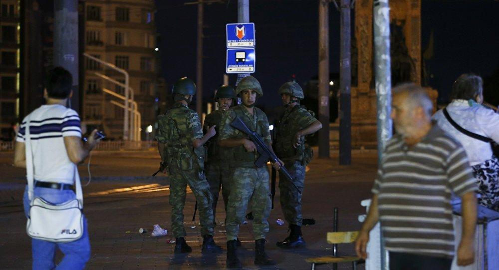 Большинство военных выступают против перелома — Министр обороны Турции
