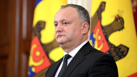 Прежний президент Румынии подал всуд наИгоря Додона