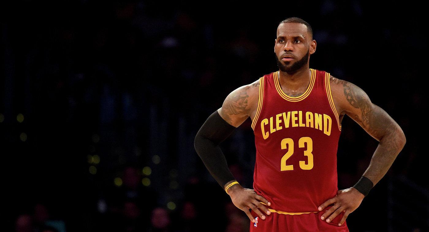 Кливленд повторил рекорд НБА поколичеству побед подряд вплей-офф
