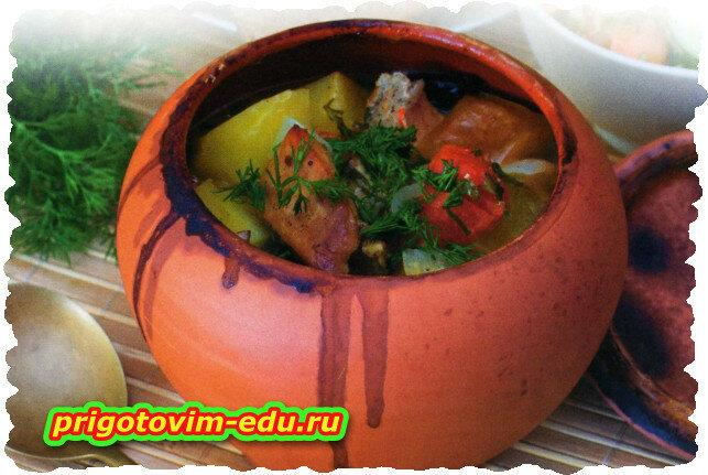 Говядина запечена с овощами в духовке