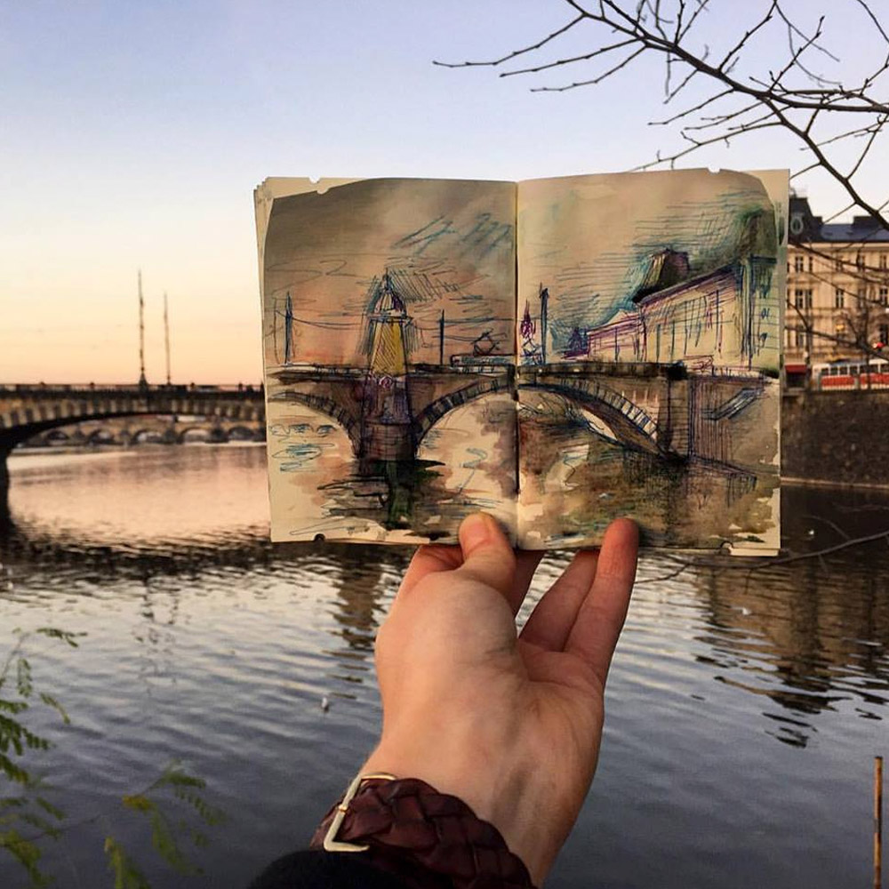 Artista faz sketches dos lugares por onde passou