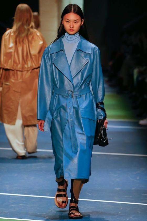 Céline голубое кожаное пальто