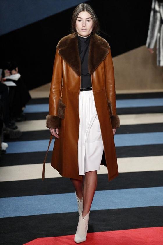 Derek Lam коричневое кожаное пальто с мехом