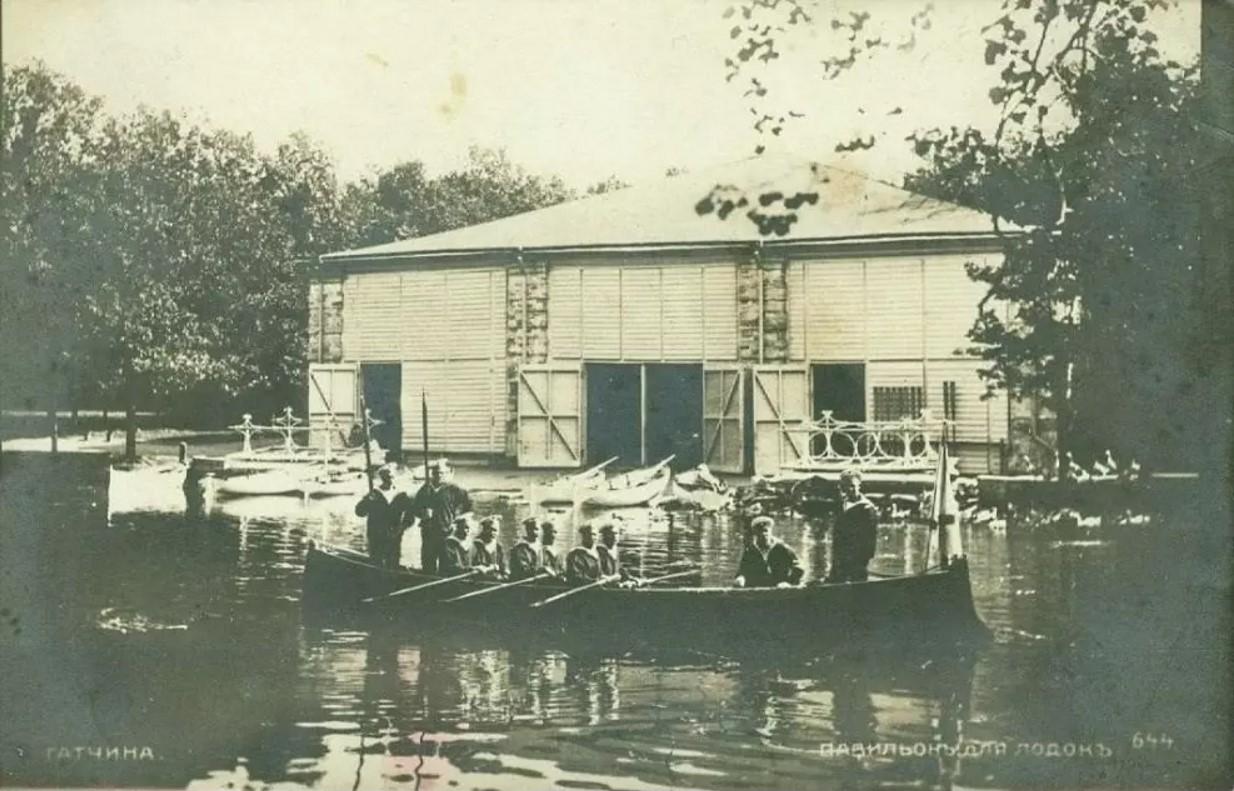 Павильон для лодок