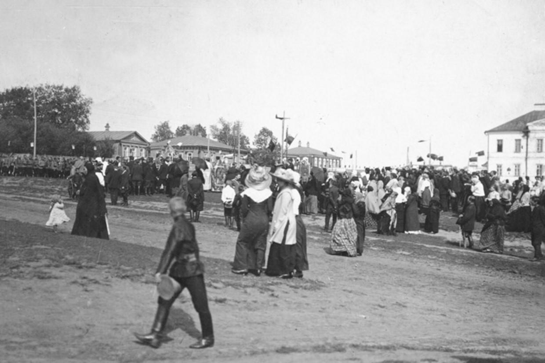 Праздник на Никольской площади