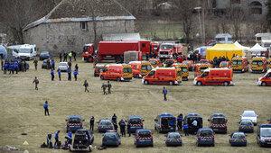 Самописцы разбившегося А320 доставлены в Париж