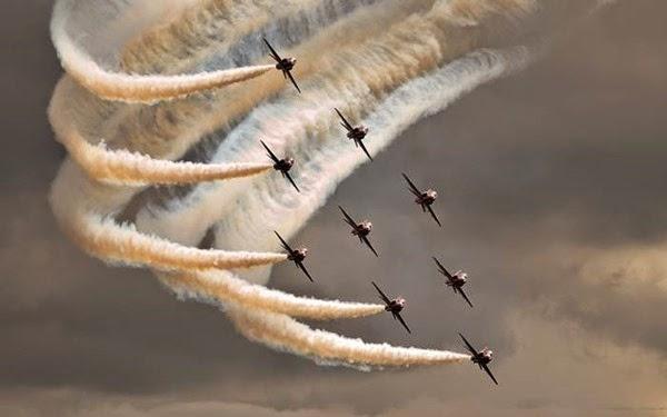 Самолеты в небе (фотографии)
