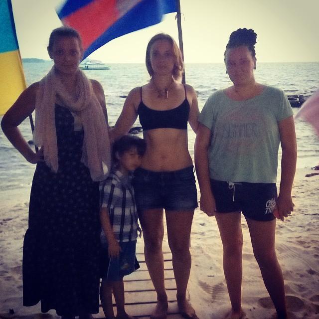 Bikini Body в Камбодже.
