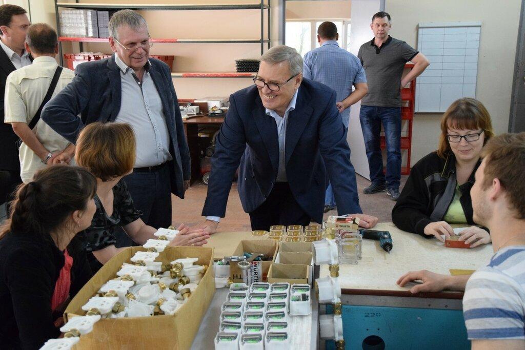 Михаил Касьянов на заводе «Саяны» у Игоря Кузника