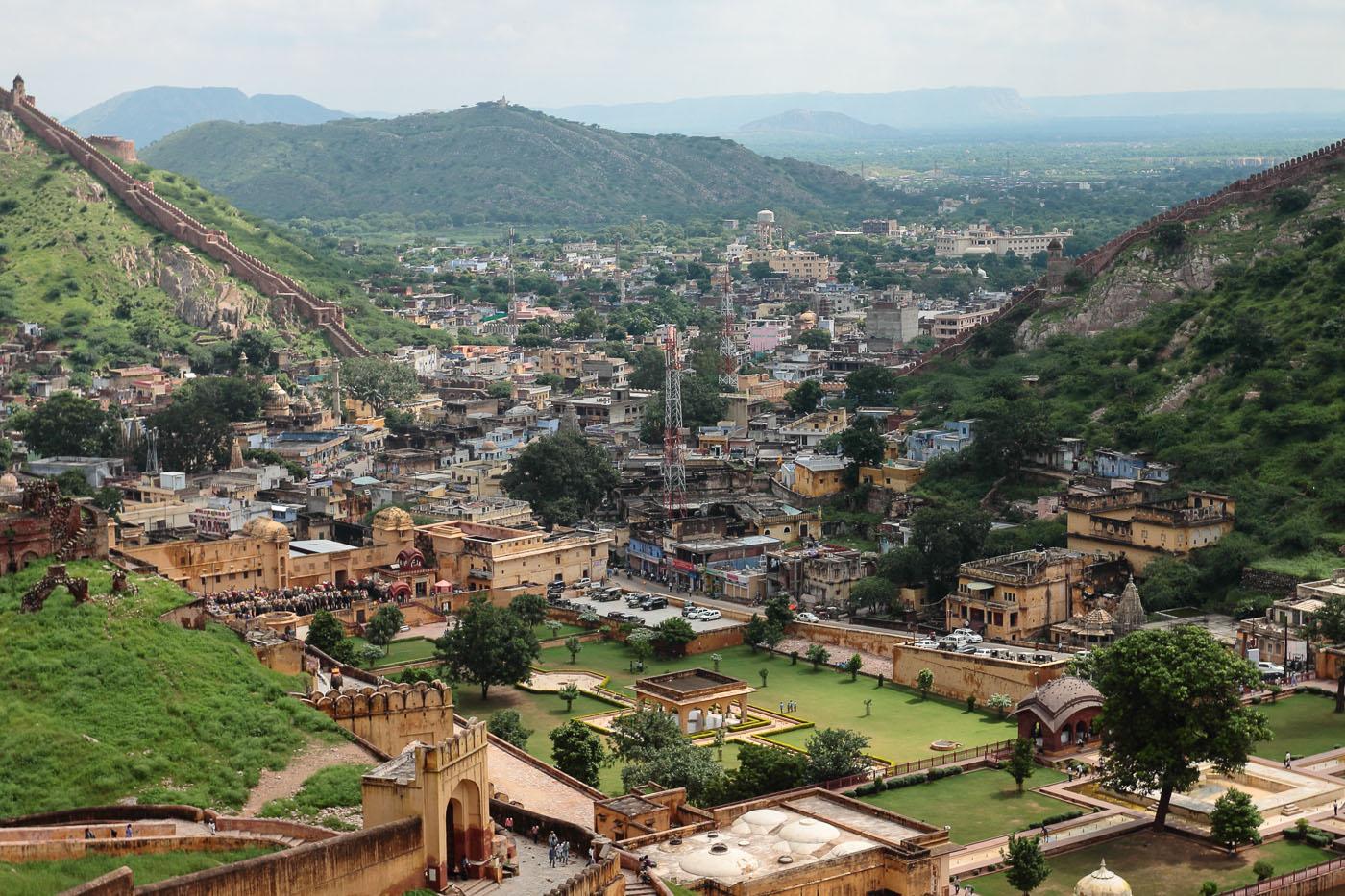 Фото 16. Поездка по Золотому треугольнику. Увлекательные экскурсии по Индии. Вид на деревню