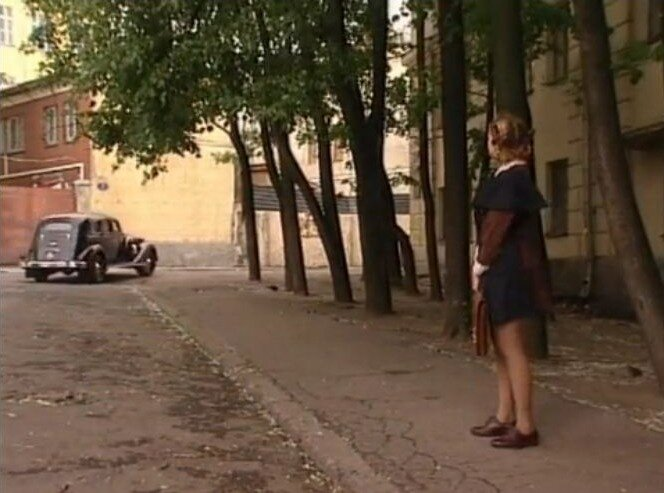 Хитровский пер. 2, 2003 год, телесериал Желанная, 2 серия. В кадре - Ольга Вечкилева.