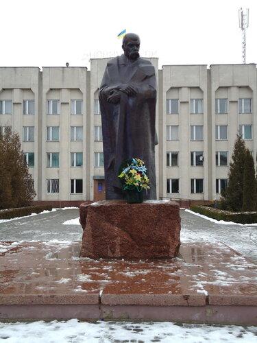 г Шумск. Памятник Тарасу Шевченко