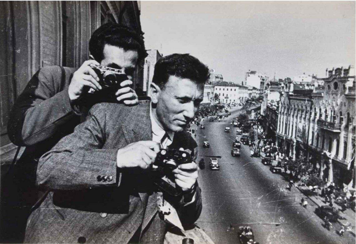 Фотографы Георгий Петрусов и Аркадий Шайхет