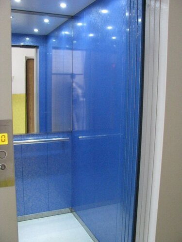 Лифт новенький