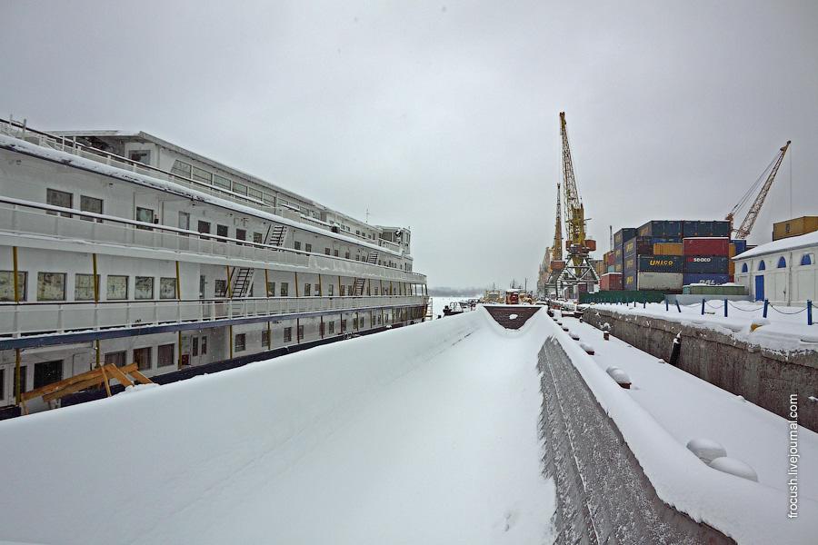 29 января 2011 года. Теплоход «Тихий Дон», Северный грузовой порт Москвы