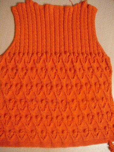 0 45778 a5ae2306 L Оранжевый жакет, вязаный спицами
