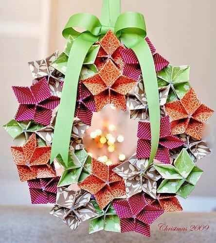 Making Flowers: Christmas Wreath Origami