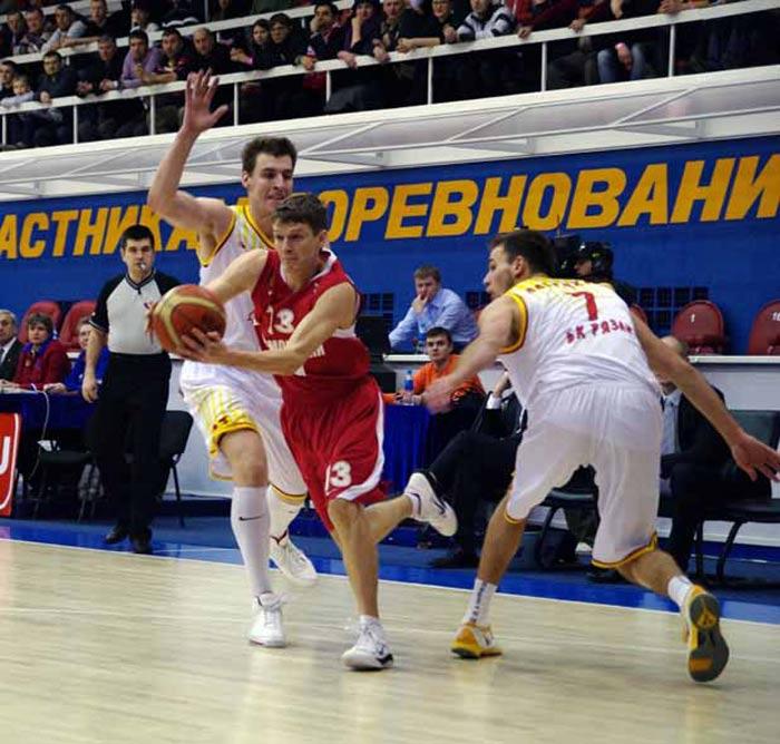 Владивосток - матч Спартак-Приморье - Рязань
