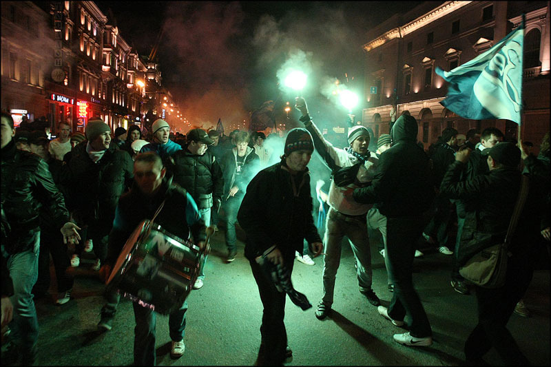 Шел в кино, попал на массовые беспорядки