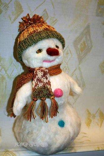 Новогодний снеговичок