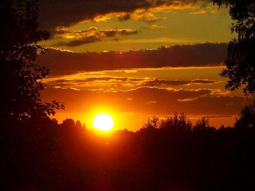 Уж вечер облаков померкнули края