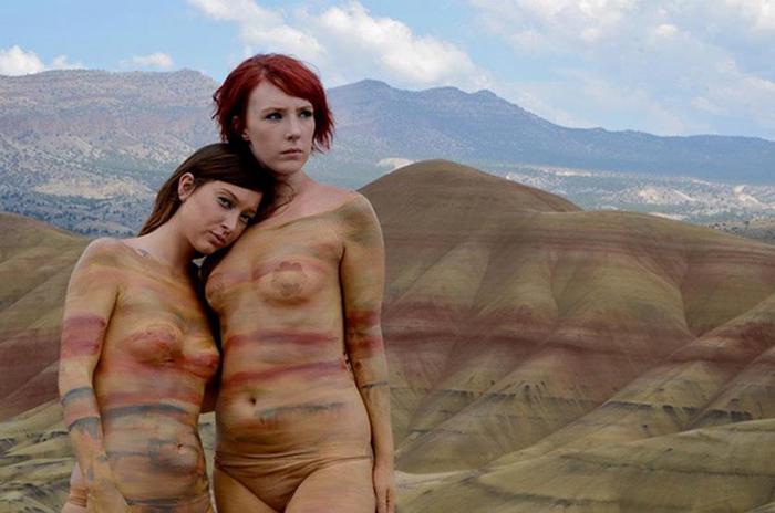 Натали Флетчер: Модели боди-арт сливаются с природой в прямом смысле слова