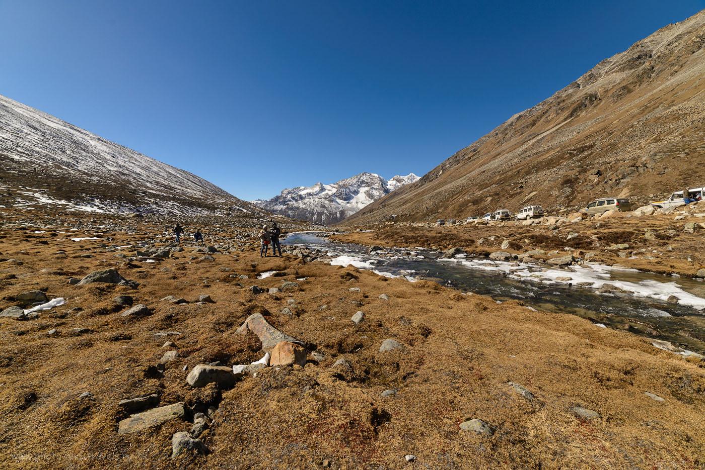 Фото 4. Туристы вZeroPoint в штате Сикким на границе Китая и Индии. Отзывы о самостоятельных экскурсиях из Гангтока. 1/1000, -1.0, 8.0, 250, 14.