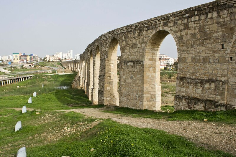 акведук у соленого озера Ларнака