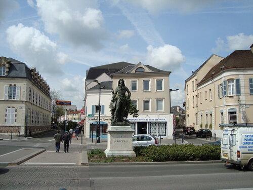 Памятник генералу Марсо
