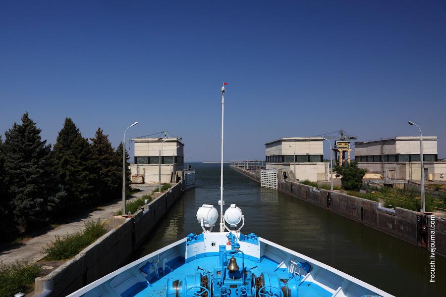Верхняя камера левого шлюза Волжского гидроузла