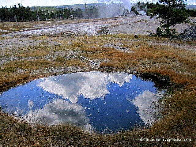 озеро гейзер Йеллоустоун США природа осень