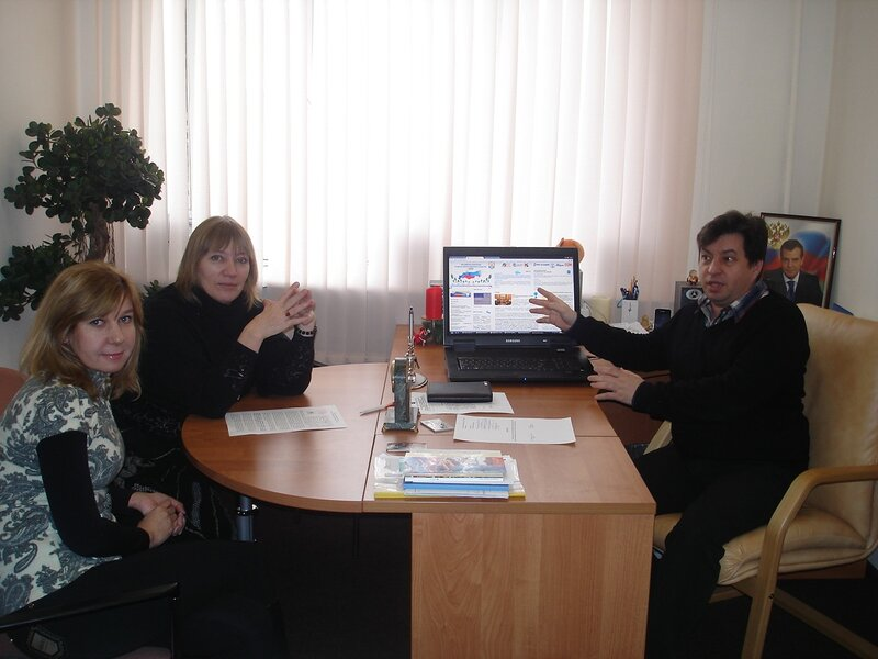 Встреча Александра АЙГИСТОВА с российскими писателями - Анной НИТУНАЕВОЙ и Натальей ЖУРАВЛЕВОЙ