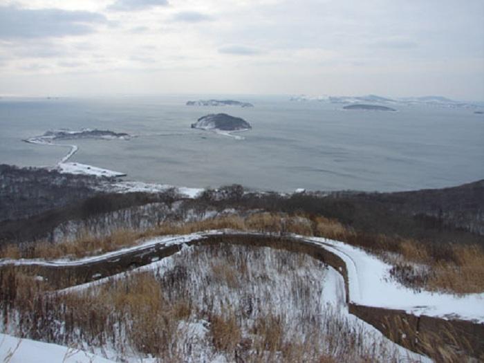 Вандалы разрушают форт Владивостокской крепости