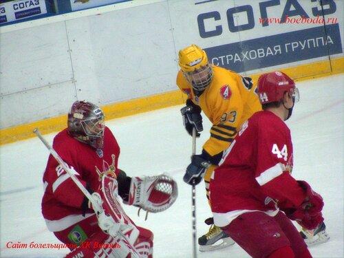 Фото с матча Русские Витязи - Атланты