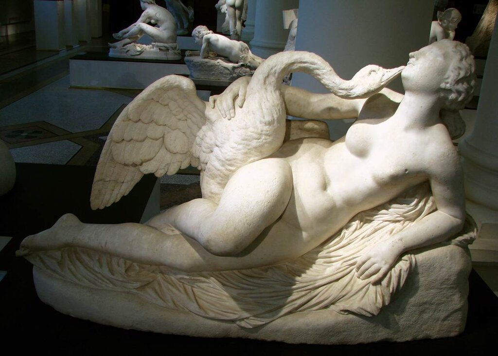 Leda and the Swanby AUGUSTE CLÉSINGER