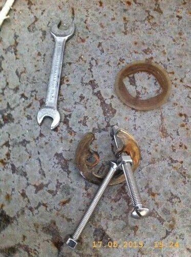 Для крепежа смесителя пригтовил рем.комплект