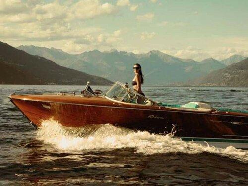 Меган Гейл на озере Комо
