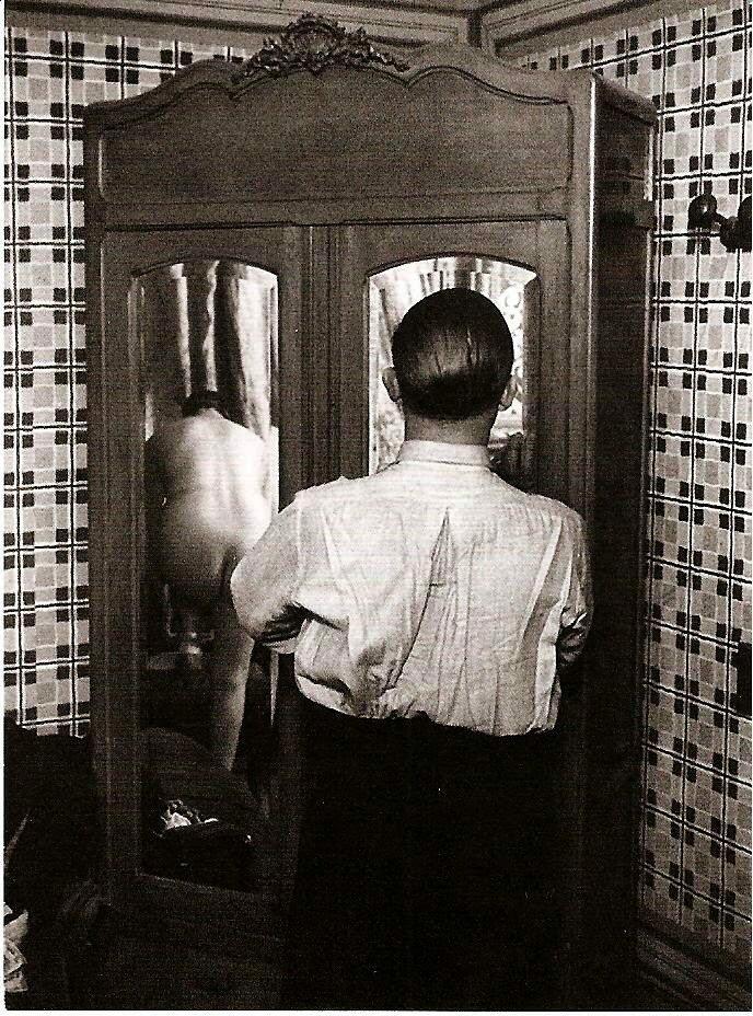 1932. Бордель на рю Киканпуа. Гардероб
