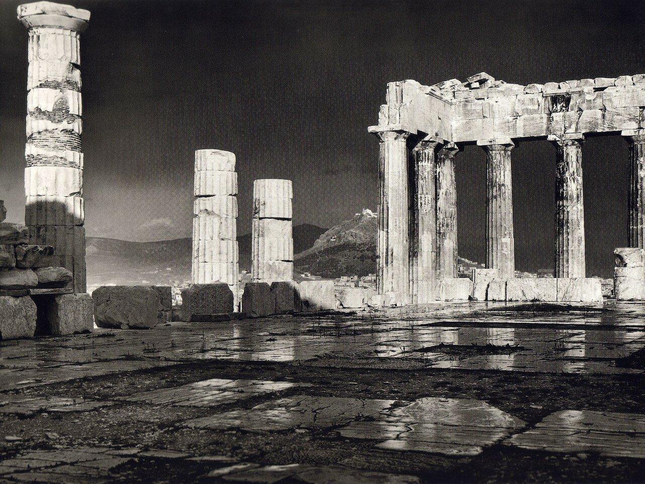 1903. Парфенон в дождь