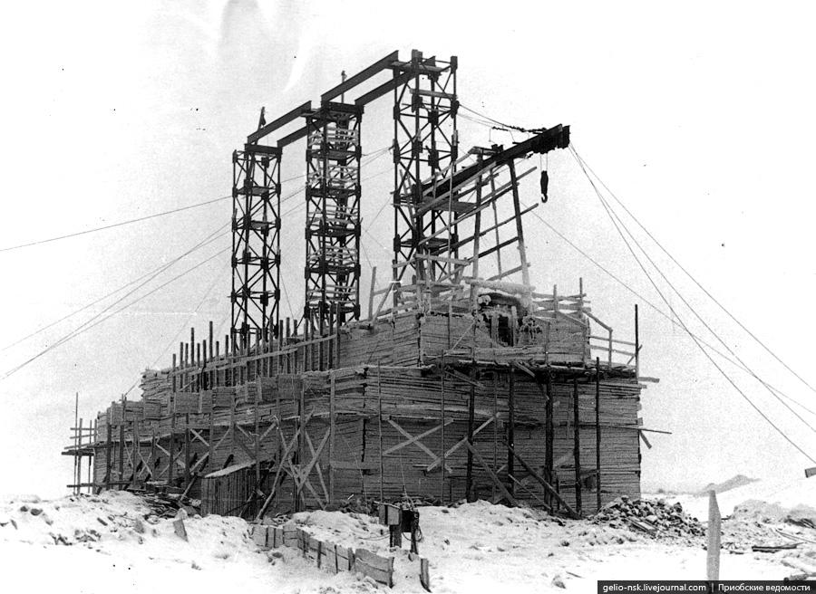 История строительства Коммунального моста через Обь в Новосибирске