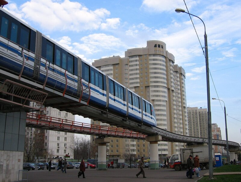 nadejda-t26 Монорельсовая дорога город дома люди монорельс москва небо путешествие.