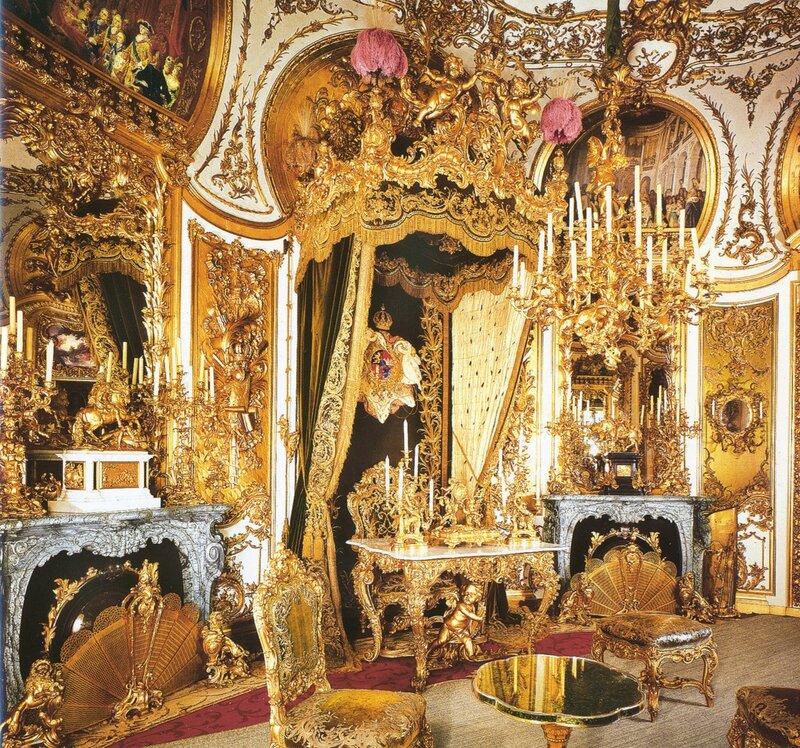 Комната для аудиенций. Во дворце Линдерхоф