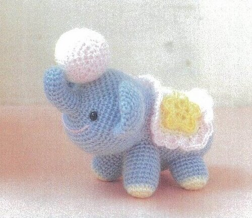 Baby amigurumi & lovey pattern set – Amigurumi Designs by Dani | 433x500