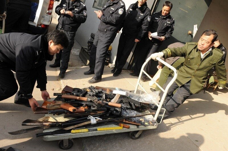 Chinese police prepare to destroy some 9