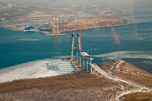 Фильм: cтроительство моста на остров Русский