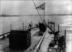 """Экипажу крейсера """"Варяг"""" вручили именной колокол и икону"""