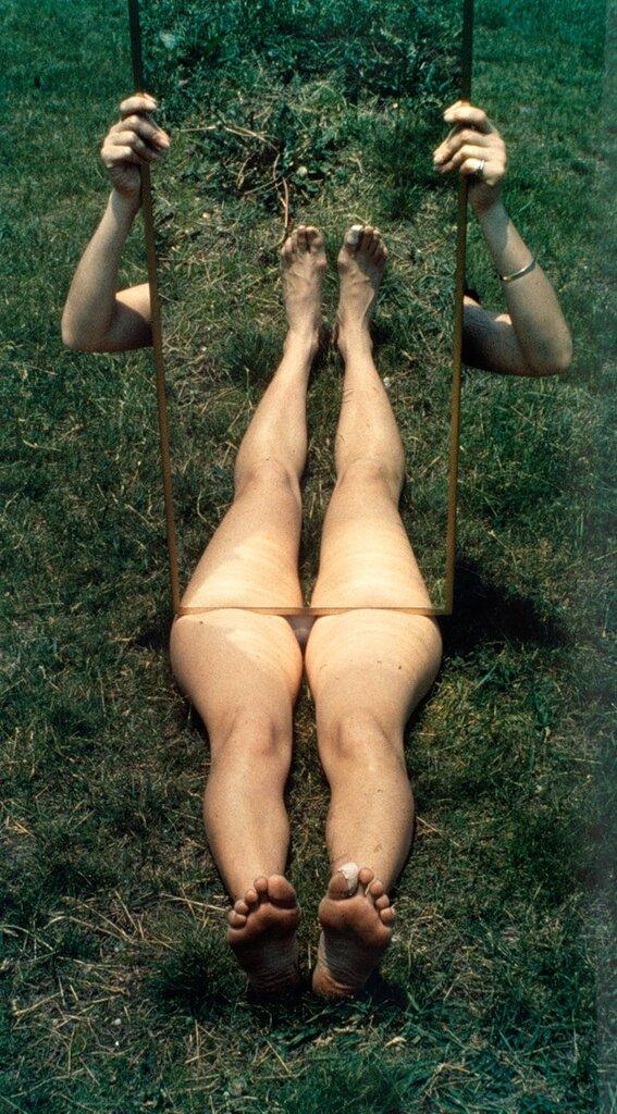 Joan Jonas'Mirror Piece '1969