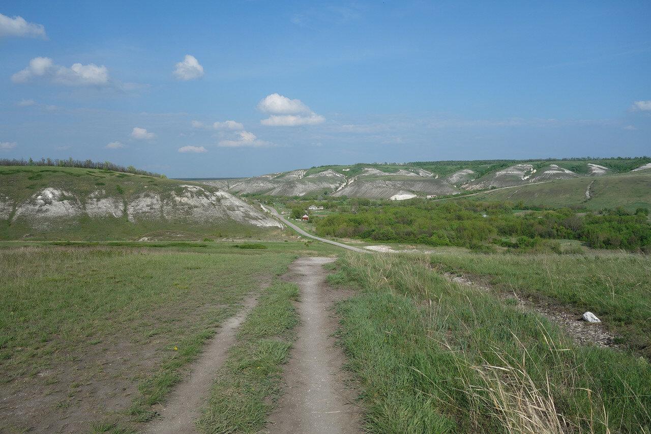на территории монастыря, вид на село