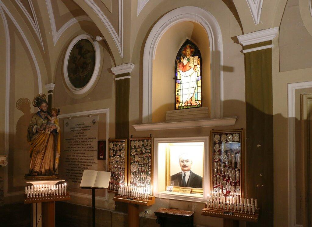 Сорренто. Церковь Мадонны Кармине (Santuario della Madonna del Carmine)