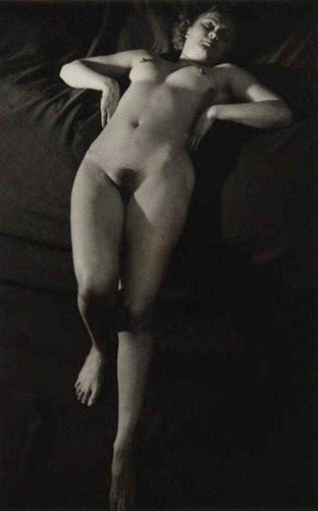 1937. Обнаженная